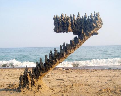 Gravitydefyingsandsculpture